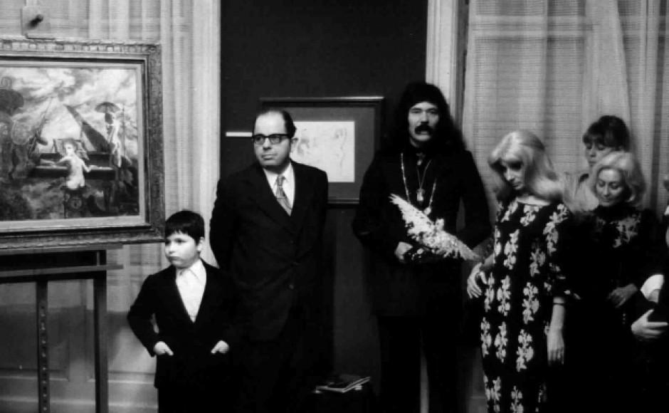 10 Jahre Galerie Scheer, Ausstellung von Lotte Leherb-Profohs, Gruppenbild Scheer, Helmut Leherb, Lotte, ein kleiner Junge und einige Damen, an der Seite ein Gemälde